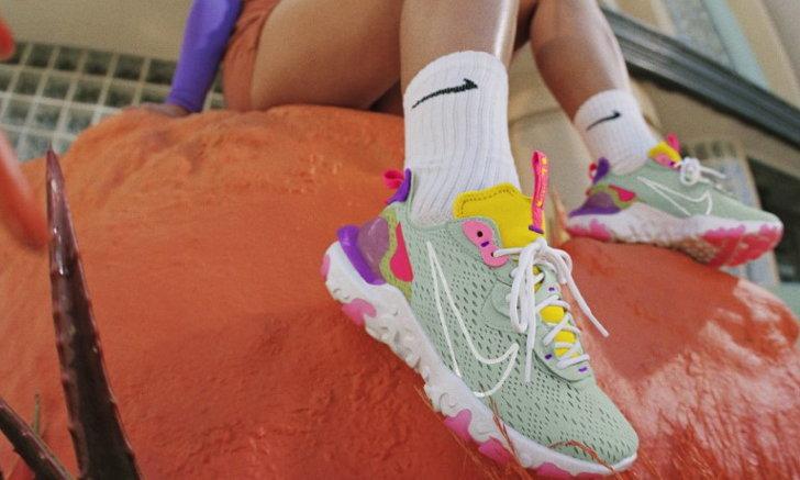 รองเท้า Nike React Vision โดดเด่นด้วยความสดใส
